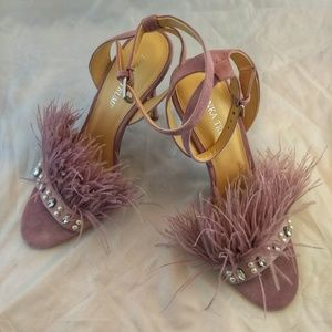 NWOT! Ivanka Trump rhinestone feather pink heels